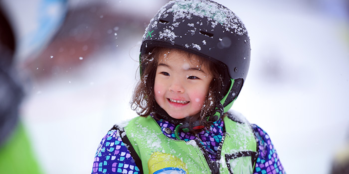 kids ski lessons in hakuba