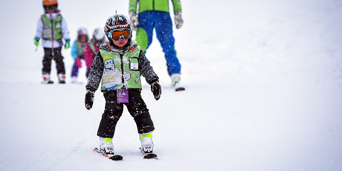 kids ski lessons in japan