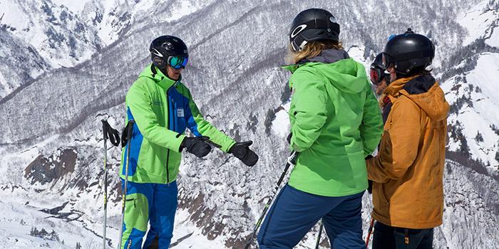 ski lessons in tsugaike